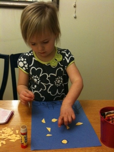 Make this Twinkle Twinkle Little Star craft for preschoolers today via BecauseBabiesGrowUp.com