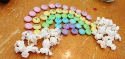rainbow-m&amp;ms-400