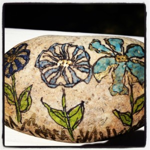 flowers-painted-on-rock