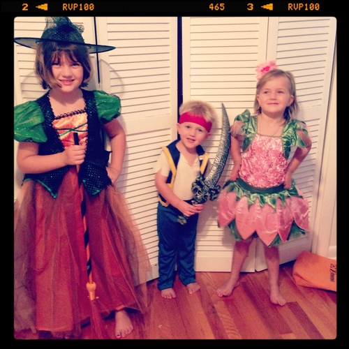 Kids-in-costume-2013